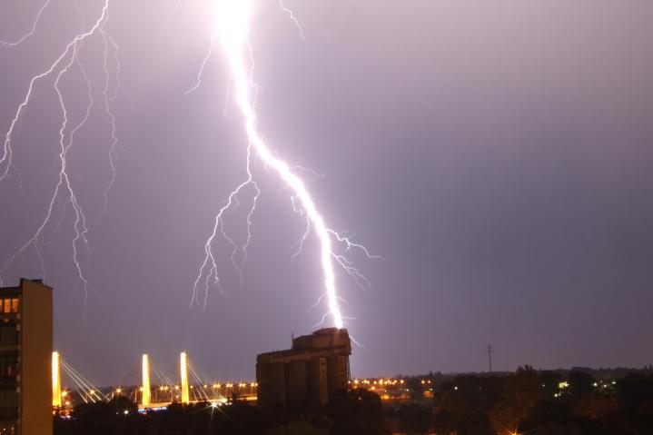 lightning-1577896